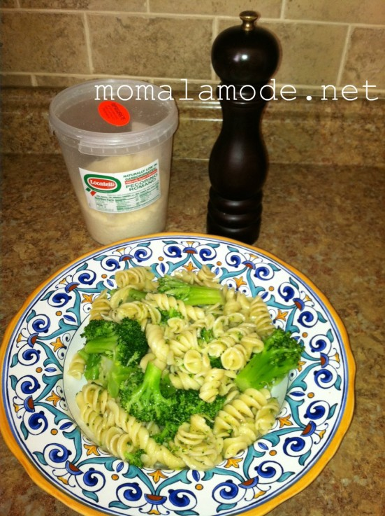 simple ingredients and family-friendly -- pasta with broccoli is a winner!