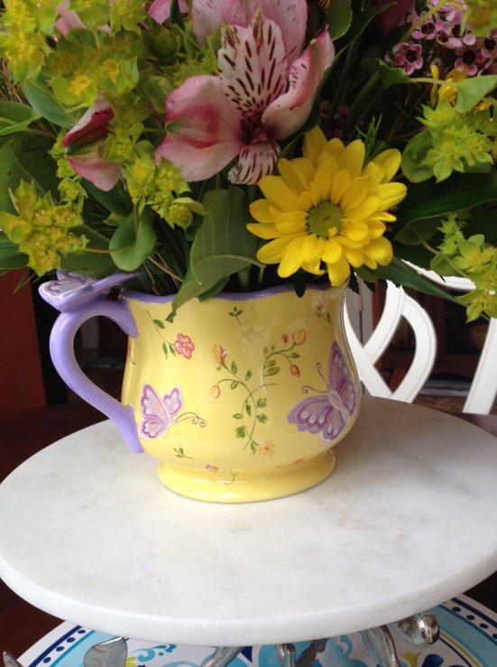 Butterfly Serenity Bouquet comes with an oversized mug adorned with purple butterflies